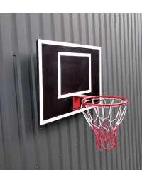 Баскетбольный щит с баскетбольным кольцом